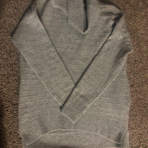 Old Navy Gray Turleneck Sweater
